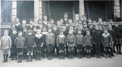 Bitton Council School 1910 (now The Meadows): photo courtesy Pete Davies
