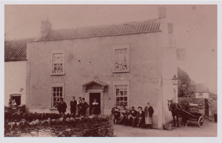 The Union Inn, Oldland Common with Winchcomb and Son horse-drwan carriage on right, 1900s; photo courtesy Bristol Records Office